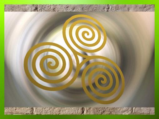 D'après le motif de la triple spirale celtique. (Marsailly/Blogostelle)