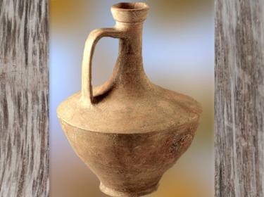 D'après une cruche en céramique, nécropole de Giubiasco, sud des Alpes, Tessin, Suisse, fin de La Tène, art celte. (Marsailly/Blogostelle)