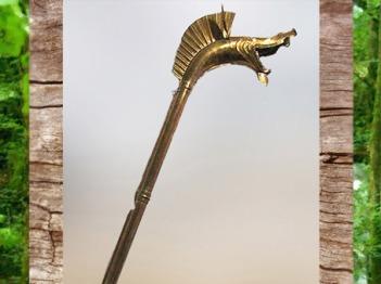 D'après un carnyx, bronze, oppidum de Epomanduodurum, cité Sequane, Mandeure, Doubs, IIe siècle avjc, Gaule celtique, La Tène, âge du Fer. (Marsailly/Blogostelle)