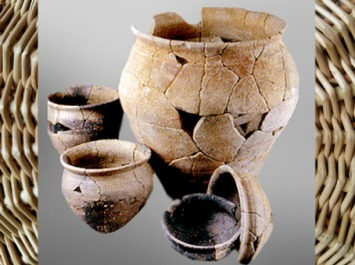 D'après des poteries de la période de La Tène finale, âge du Fer, Bretagne, Gaule Celtique. (Marsailly/Blogostelle