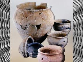 D'après des pots et des écuelles, terre cuite, Bretagne, La Tène, Gaule Celtique, âge du Fer. (Marsailly/Blogostelle)