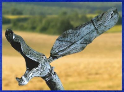 D'après un carnyx, trompette de guerre gauloise, fosse rituelle, Tintignac, Corrèze, Gaule, France, art Celte, (Marsailly/Blogostelle)