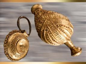 D'après des fibules en bronze, rehaussées d'or, tombe celte de la Dame de Heuneburg, Allemagne, VIe siècle avjc, période de Hallstatt, Premier âge du Fer. (Marsailly/Blogostelle)