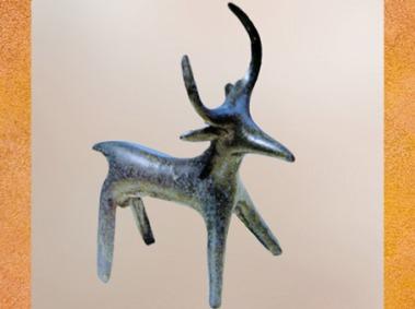 D'après un cerf en bronze moulé, premier âge du Fer, art Celte. (Marsailly/Blogostelle)