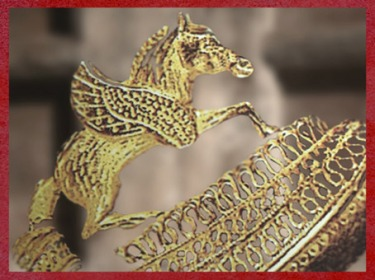 D'après le torque en or, tombe celte de la Dame de Vix, Bourgogne, Ve siècle avjc, fin Hallstatt-La Tène, âge du Fer. (Marsailly/Blogostelle)