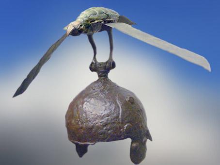 D'après un casque en fer, vautour en bronze, IV- IIIe siècle avjc, Roumanie, époque de La Tène, âge du Fer, art Celte. (Marsailly/Blogostelle)