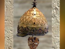 D'après le casque d'Agris, style végétal continu, IVe siècle avjc, La Tène, Âge du Fer, Charente, France. (Marsailly/Blogostelle.)