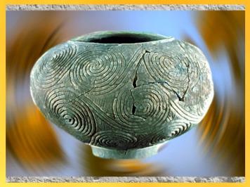 D'après un vase néolithique à décor couvrant de spirales, Croatie. (Marsailly/Blogostelle)