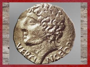 D'après un statère à l'éffigie de Vercingétorix, vers siècle avjc, La Tène, Gaule celtique. (Marsailly/Blogostelle)