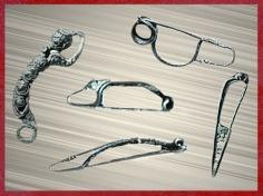 D'après différents styles de fibules, fermoir et objet de parure, âge du Fer, art Celte. (Marsailly/Blogostelle)