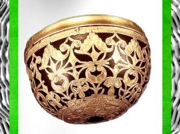 D'après un bol en bois retravaillé à la feuille d'or, IVe siècle avjc, Gaule celtique, âge du Fer. (Marsailly/Blogostelle)