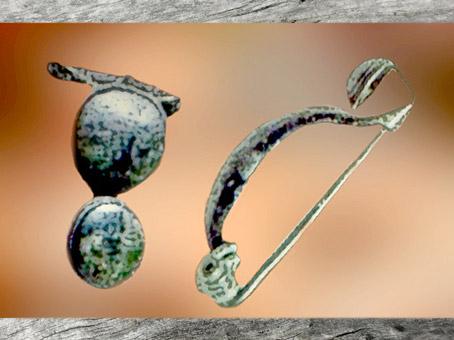 D'après des fibules toutes en rondeurs, âge du Fer, art Celte. (Marsailly/Blogostelle)