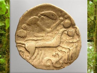 D'après un cheval et triskèle, statère celte, Ier siècle avjc, Autun, peuple Éduens, La Tène, Gaule celtique. (Marsailly/Blogostelle)