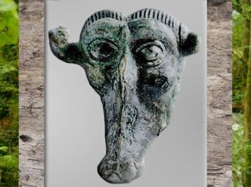 D'après un visage zoomorphe, bronze, style plastique, IIIe siècle avjc, mobilier funéraire, Orval, Manche, la Tène ancienne, art Celte, âge du Fer. (Marsailly/Blogostelle)