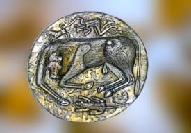 D'après le chaudron de Gundestrup, Taureau, or et argent, Ier siècle avjc, art celte, Danemark. (Marsailly/Blogostelle.)