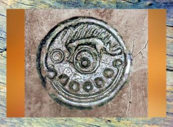 D'après l'iconographie d'une monnaie gauloise, art celte La Roue et le Sanglier. (Marsailly/Blogostelle.)