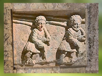 D'après les esclaves du nautonier, Haleurs de la Durance, stèle funéraire, Ier siècle apjc, Vaucluse, Gaule Romaine. (Marsailly/Blogostelle)