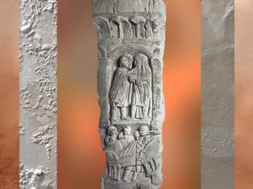 D'après les soins chez l'oculiste, bas-relief sur pilier, Montiers-sur-Saulx, Meuse, Gaule Romaine. (Marsailly/Blogostelle)