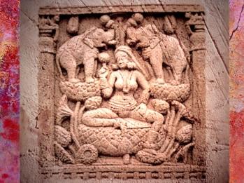 D'après la déesse Lakshmî baignée par deux éléphants, bas-relief, Sânchî, stupa n° 2, IIe siècle avjc, Madhya Pradesh, Nord, Inde ancienne. (Marsailly/Blogostelle)