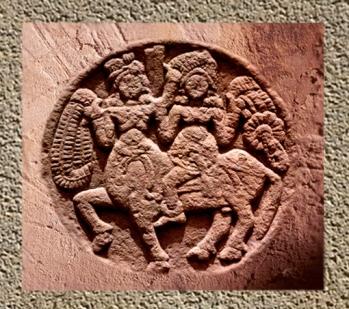 D'après un cavalier, médaillon, Sanchî 2, Madhya Pradesh, Nord, Inde ancienne. (Marsailly/Blogostelle)