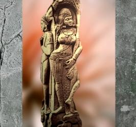 D'après une Yakshi, déité de la végétation, Bharhût, Madhya Pradesh, Nord, Inde ancienne. (Marsailly/Blogostelle)