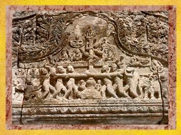 D'après le Barattage de la Mer de Lait, Preah Vihear, Cambodge. (Marsailly/Blogostelle)