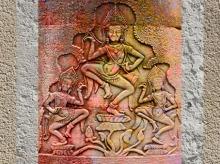 D'après l'Arbre cosmique, temple d'Angkor, Cambodge. Brahmâ, çiva, vichnu ou çiva en axe central. (Marsailly/Blogostelle)