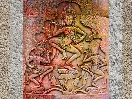 D'après l'Arbre cosmique, temple d'Angkor, Cambodge. Brahmâ, Shiva et vishnu, Vishnu ou Shiva en axe central. (Marsailly/Blogostelle)