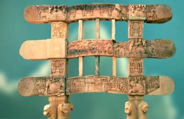 D'après le Torana Sud, ses lions et ses spirales,stûpa n° 1, Sânchî, Ier siècle avjc-Ier siècle apjc, Madya Pradesh, Nord, Inde ancienne. (Marsailly/Blogostelle)