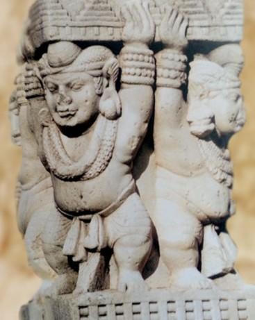 D'après des atlantes parés, porte Ouest, stûpa n° 1 Sanchî, Madya Pradesh, Nord, Inde ancienne. (Marsailly/Blogostelle)