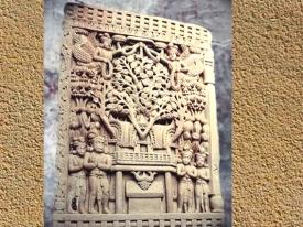D'après l'arbre pipal sur un relief, Ier siècle avjc-Ier siècle apjc, stûpa n° 1, Sânchî, Madhya Pradesh, Inde du Nord. (Marsailly/Blogostelle)