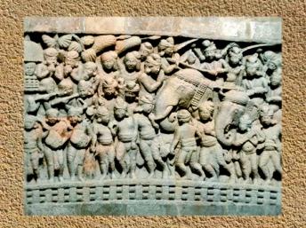 D'après une scène urbaine, bas-relief, stûpa n° 1, Sânchî, vers le Ier siècle avjc, Madya Pradesh,Nord, Inde ancienne. (Marsailly/Blogostelle)