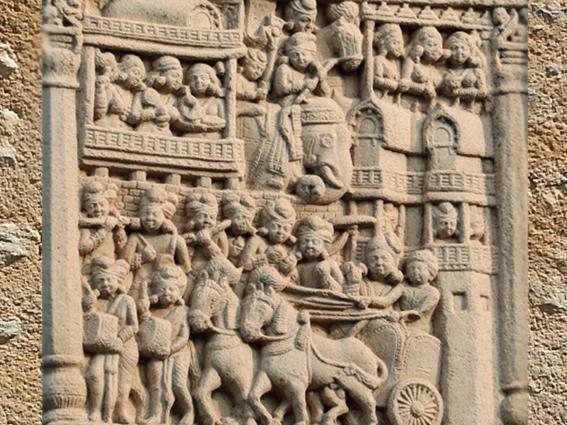 D'après une porte de ville, torana Nord, stûpa n° 1 Sanchî, Madya Pradesh, Inde du Nord. (Marsailly/Blogostelle.)