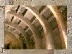 D'après un détail de la charpente du temple rupestre de Bhâja, vers le Ier siècle avjc, Mahârâsthra, Inde du Sud. (Marsailly/Blogostelle.)