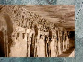 D'après la véranda d'un monastère rupestre Jaïn, Ier siècle apjc, Orissa, Khandagiri-Udayagiri, Inde du Sud. (Marsailly/Blogostelle)