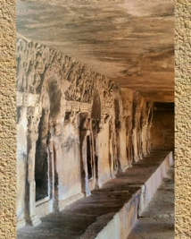 D'après les décors sculptés d'un monastère rupestre Jaïn, véranda,Ier siècle apjc,Orissa, Khandagiri-Udayagiri, Sud, Inde ancienne. (Marsailly/Blogostelle)