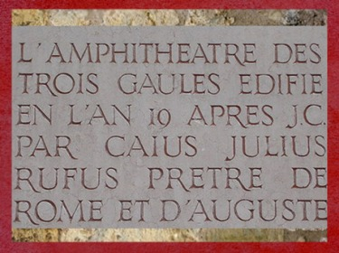 D'après un extrait de la stèle de l'amphithéâtre des Trois Gaules, Lugdunum, Lyon, France, Gaule Romaine. (Marsailly/Blogostelle