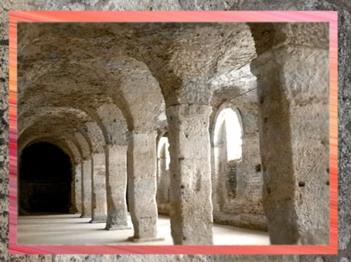 D'après les vestiges du forum antique de Reims, Ier-IIIe siècle apjc, Champagne, Gaule Romaine. (Marsailly/Blogostelle)