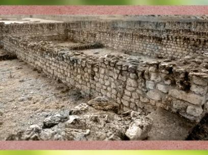 D'après les vestiges des Thermes de Barzan, IIe siècle apjc, Charente-Maritime, France, Gaule Romaine.(Marsailly/Blogostelle)
