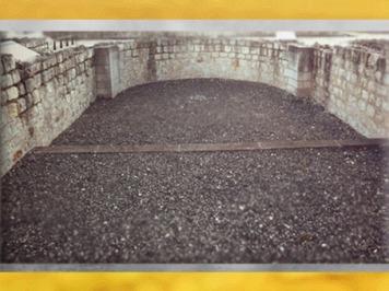 D'après les vestiges du Fâ de Barzan, thermes, grande salle en abside, IIe siècle apjc, Gaule Romaine, Charente-Maritime, France. (Marsailly/Blogostelle)