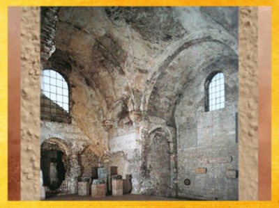 D'après la salle voûtée du frigidarium des thermes de Cluny, Ier siècle apjc, Lutèce, Paris. (Marsailly/Blogostelle)