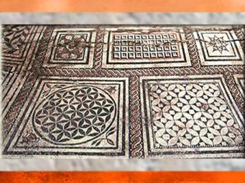 D'après un décor de sol, mosaïque, Besançon, Bourgogne-Franche-Comté,France, Gaule Romaine. (Marsailly/Blogostelle)