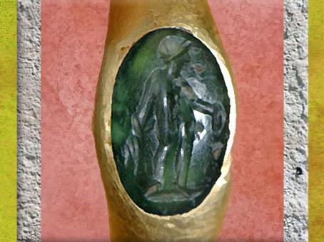 D'après Bonus Eventus, bague, or et quartz, Ier-IIe siècle apjc, Pays-de- la-Loire, Gaule Romaine. (Marsailly/Blogostelle)