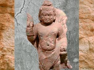 D'après une sculpture du dieu hindou Agni, porteur du vase rituel, époque Kushâna, Ier siècle- IIIe siècle apjc, Uttar Pradesh,Inde ancienne du Nord. (Marsailly/Blogostelle)