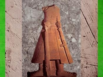D'après une statue de l'empereur Kanishka avec son épée, grès rose-rouge, dynastie Kushâna, école de Mathurâ, Uttar Pradesh, Inde du Nord. (Marsailly/Blogostelle)