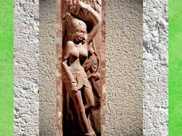 D'après une Yakshî, décor de balustrade de stûpa, école de Mathurâ, dynastie Kushâna, vers Ier siècle apjc, Uttar Pradesh, Inde du Nord. (Marsailly/Blogostelle)