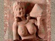 D'après un buste féminin, vers IIe siècle apjc, école de Mathurâ, dynastie Kushâna, Uttar Pradesh, Inde du Nord. (Marsailly/Blogostelle)