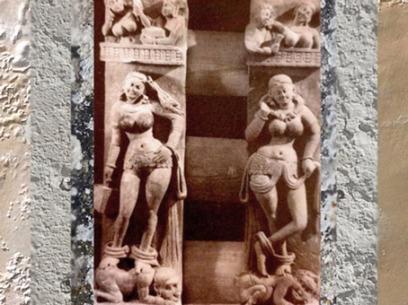 D'après deux Yakshîs sur balustrade, école de Mathurâ, IIe siècle apjc, dynastie Kushâna, Bhûtesar, Uttar Pradesh. (Marsailly/Blogostelle)