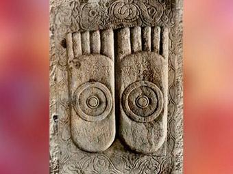 D'après Les Empreintes de Buddha, Ier-IIe siècle apjc, Amarâvatî, dynastie Sâtavahâna, Andhra Pradesh, Inde du Sud. (Marsailly/Blogostelle)
