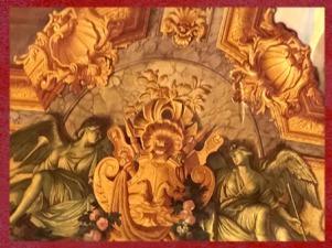 D'après la Galerie Dorée, motifs de coquilles, art rocaille, Hôtel de Toulouse (Banque de France), Paris. (Marsailly/Blogostelle)